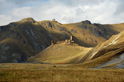 abandoned-tower-in-truso-valley-militarized-border-of-georgia--south-ossetia_28126289305_o