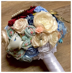 Alice in Wonderland themed bouquet