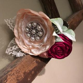 I #love how this #handmade brooch #corsa