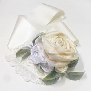 ._A beautiful handmade corsage consistin