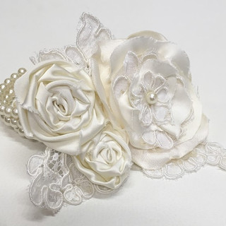 A Mother of the Bride's corsage