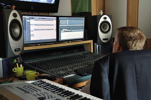 Aussie Voices Australian Voice Over Producer in Studio
