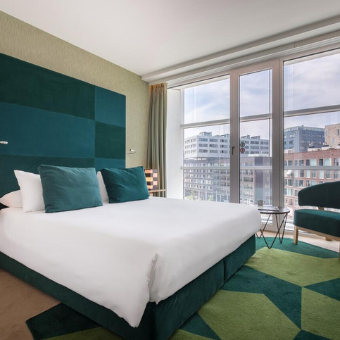 Roommate Aitana Amsterdam - Managing the hotel acquisition for Bouwinvest Hotel fund