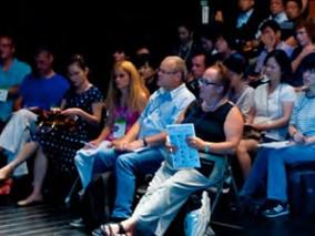 Les Conferències / The Conferences