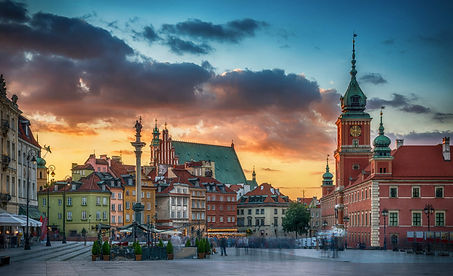warsaw-old-town-royal-castle-poland-shut