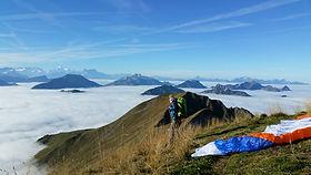 Hike and fly parapente randonnee en gruyère Gstaad Moleson