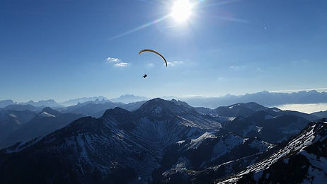Vol biplace en parapente en Gruyère charmey moléson en hiver a ski  Bulle Grandvillard