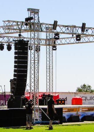 stage-setup-810x456.jpg