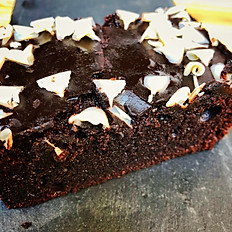 Schokoladen-Kuchen mit Weißen Schokoraspeln