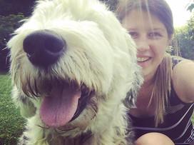 Selfies in the sunshine with mischief ☀️😄#sunshinemakesmehappy #paws4thought #oldenglishsheepdog #duluxdog #dogwalking #doggydaycare 🐶🐾