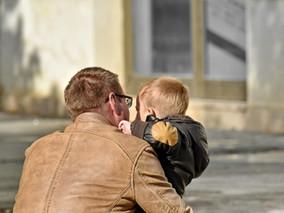 L'allongement de la durée du congé paternité à 28 jours : ce qui va vraiment changer