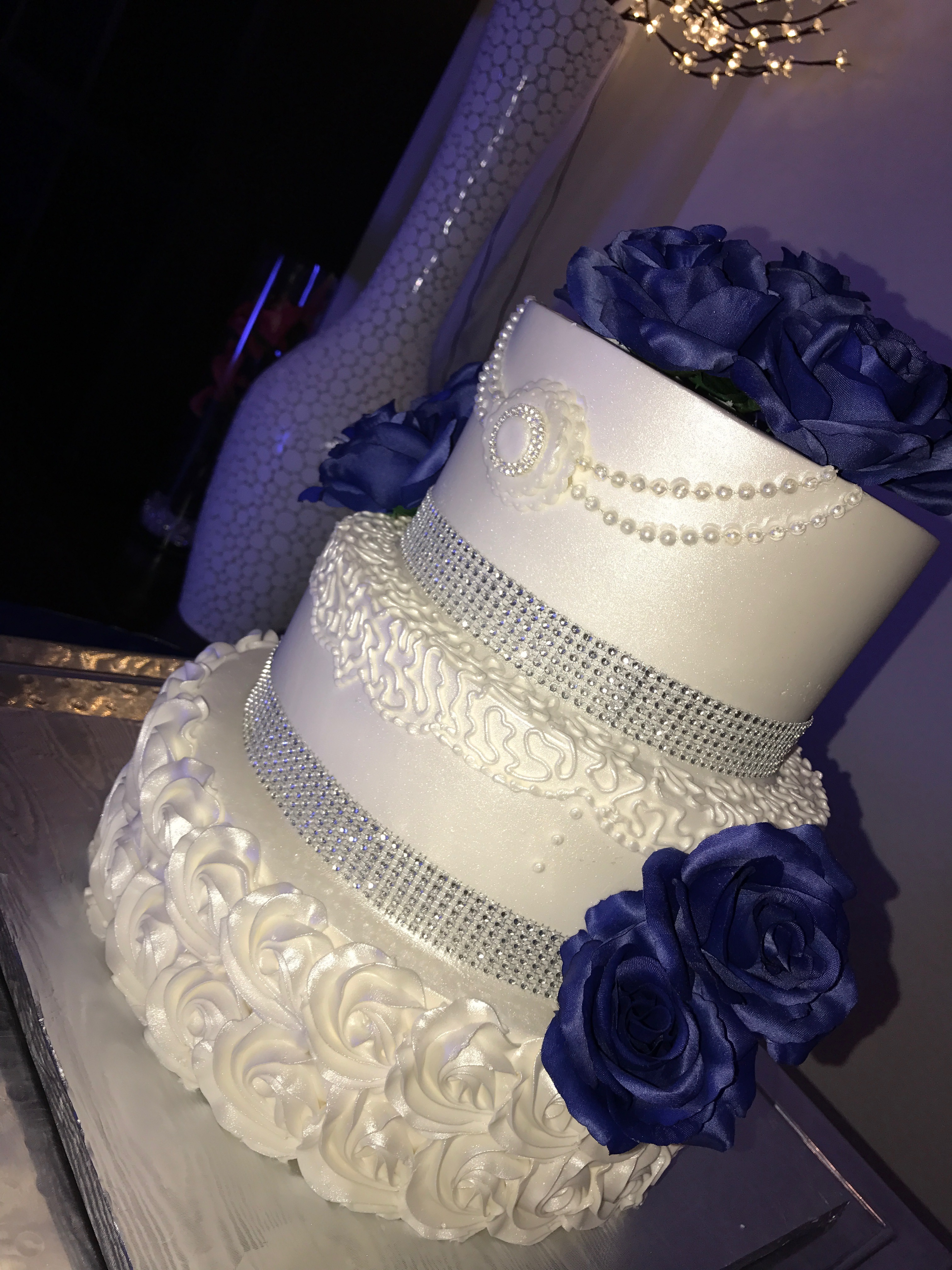 Wedding Cake By Capitolio