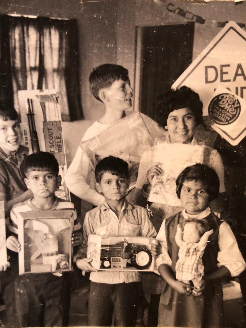 Everett Family & Deaf Children