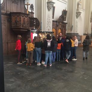 EXPO Heilige Trudo 2019 - rondleiding van een klas