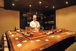 札幌すすきの 活魚 海鮮 炉ばた いそ舟 カウンター席