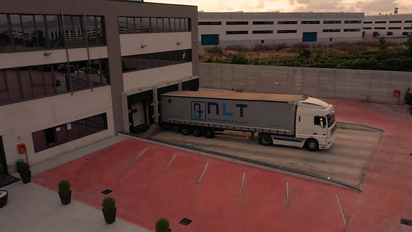 Nuova Logistica & Trasporti 16.jpg