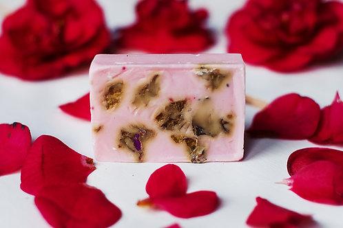 Różane Mydło (na bazie mleka koziego)