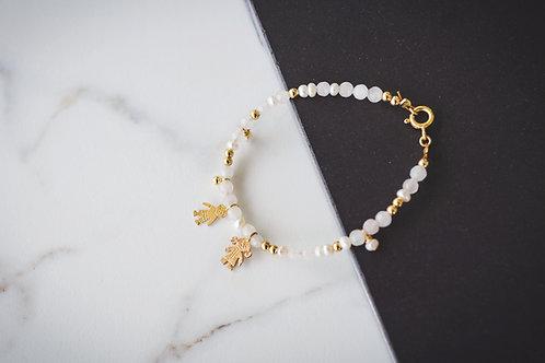 The White and Gold Kids pendants Bracelet