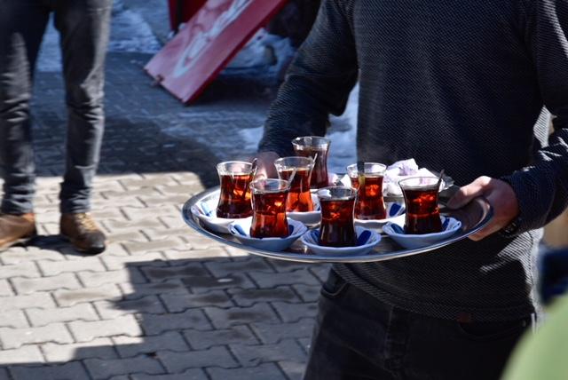 Toujours l'heure pour un çay