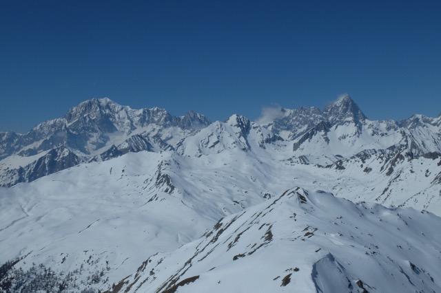 Le Mt Blanc là-bas