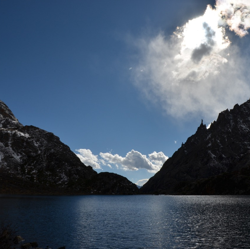 Lac magique à un jour de marche