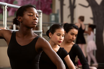 younggirls_balletclass.jpg