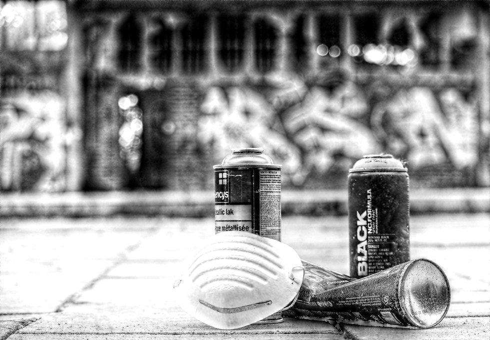 graffiti-2724511_1920_edited.jpg