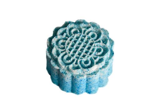 פצצת אמבטיה בצבע כחול בריח- אושיין