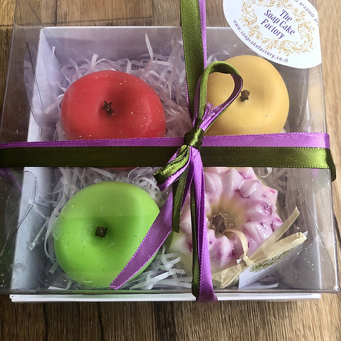 Festive gift wrapping 3 apples and mini cake - Soaps