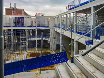 Immeuble de bureaux en béton en cours de construction