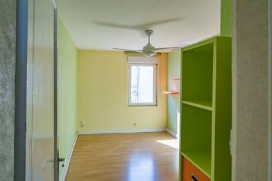 Chambre bicolore verte et jaune