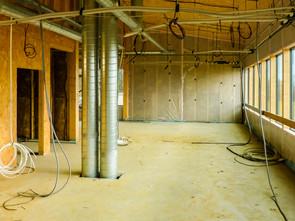 Vue des réseaux de ventilation d'un immeuble de bureaux en ossature bois