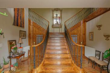 Les Bruhasses - Escalier central - 20.jpg