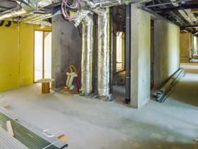 Vue des réseaux de ventilation d'un immeuble de bureaux