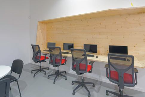 Gymnase Auros - Atelier informatique - 01.jpg