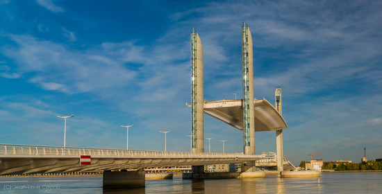 Le pont Chaban Delmas tablier à mis course
