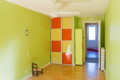 La chambre verte et le placard à damier