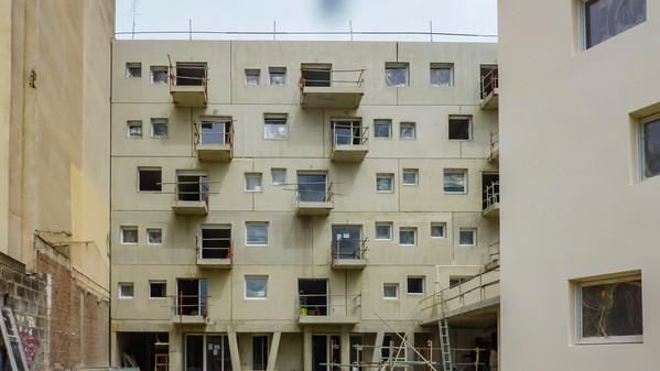 Façades d'immeubles en construction