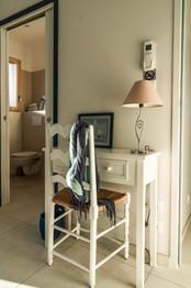 Un petit bureau dans la chambre