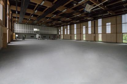 Vue intérieure du gymnase d'Auros