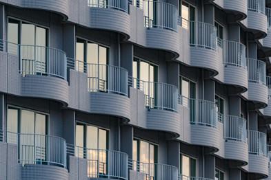Détails de façade tout en ondulations