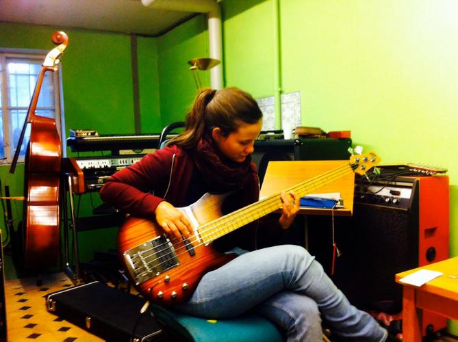 Marina&Guitar im Studio.