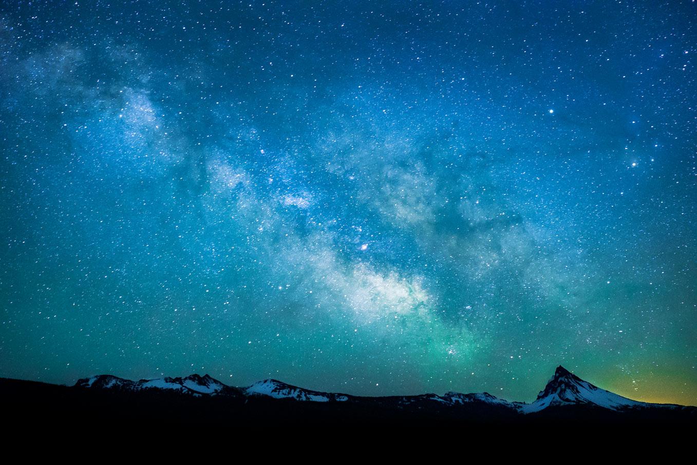 Mt-Thielsen-Milky-Way