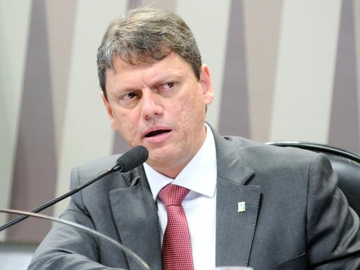 Brasil: Ou Muda ou se Destrói
