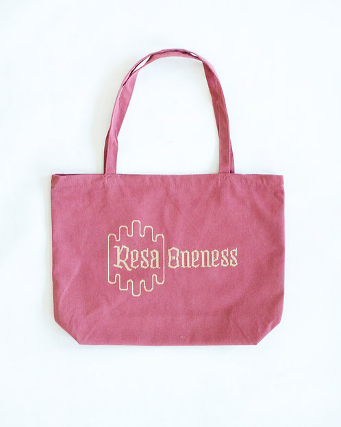 The Oneness Tote in Nantucket