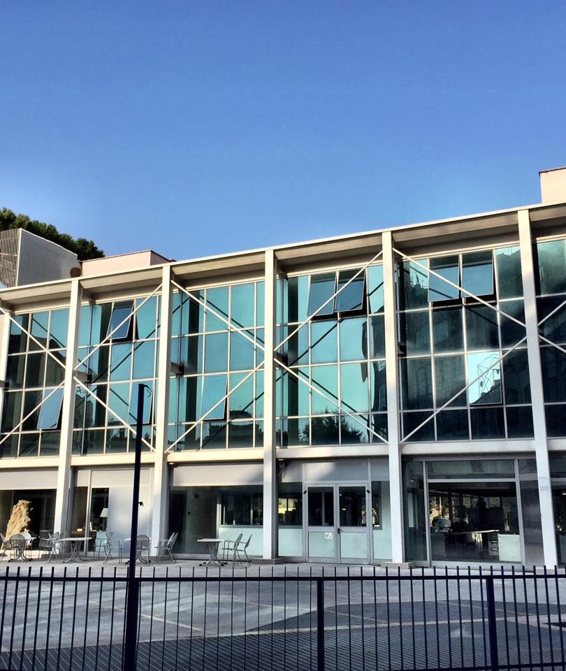 Edificio commerciale