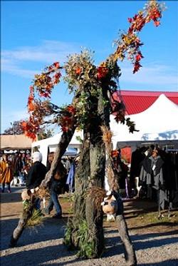 Living tree Stilt Walker Atlanta