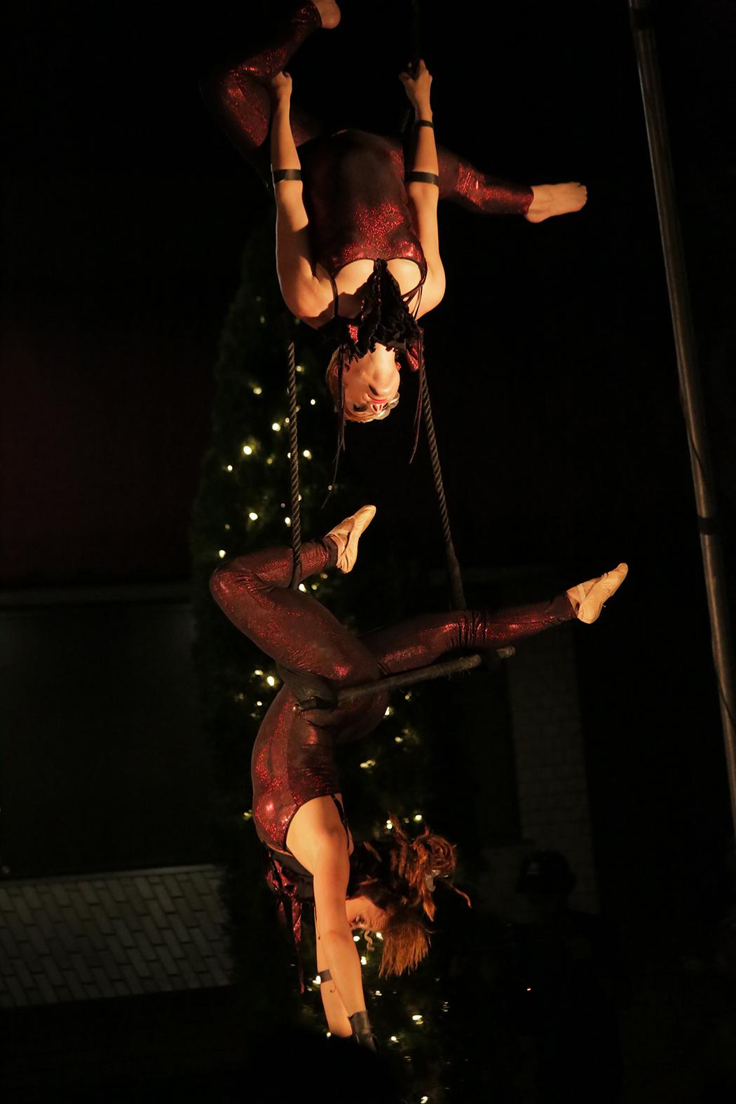 Duet Trapeze Act - Atlanta GA