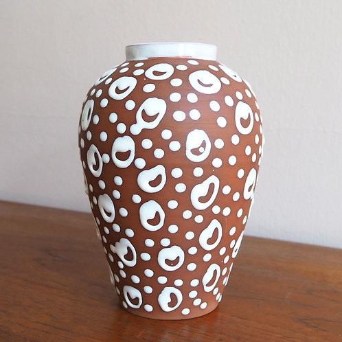 Brun og Hvit Vase