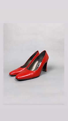 Red Toed Heel